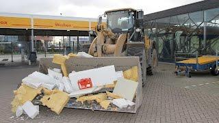 Utrecht: Ramkraak Shell tankstation aan de Proostwetering