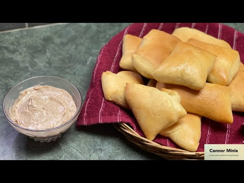 How to Make Copycat Texas Roadhouse Rolls (With Honey Cinnamon Butter)