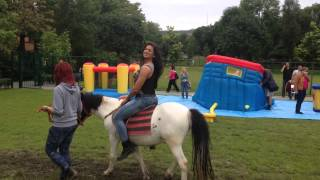 Bettina ride the pony