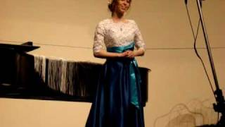 (4) Sarah Curlin singing