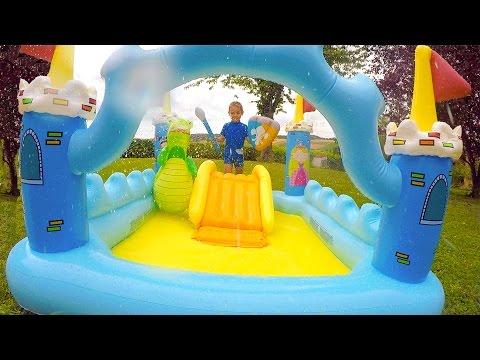 Ouverture des surprises de la chasse aux oeufs de p ques for Swan et neo piscine
