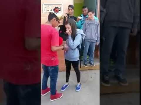 طالب ثانوي يطلب الزواج من زملته داخل المدرسة