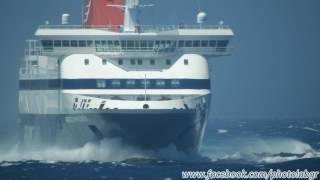 Νήσος Μύκονος: Αφιξη με βοριά 7Bf στο λιμάνι της Μυκόνου !