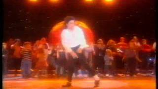 MJ y Valeria Mazza (Argentina)  (-̮̮ •)  - Earth Song - WMA 1996 -