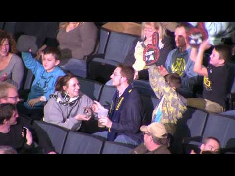 Thumbnail: Girl proposes to boyfriend during Kiss Cam