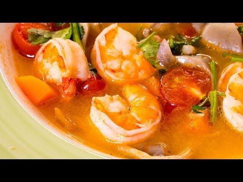 Суп Том Ям с креветками. Знаменитый тайский суп.