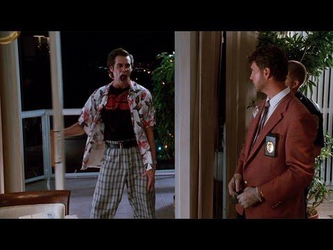 Фишка с балконной дверью — Эйс Вентура: Розыск домашних животных (1994) сцена 5/10 HD