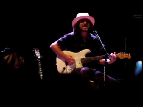 Eddie Vedder - O2 Apollo Manchester, Manchester, 07.28.2012