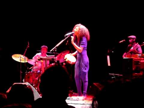 Corinne Bailey Rae - Paper Dolls (Live) @ Houston /  House of Blues