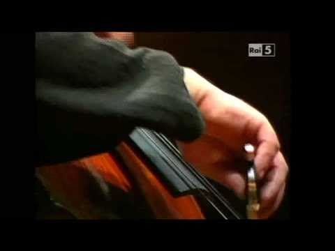 Edward Elgar: Cello Concerto op. 85 - Heinrich Schiff - 3rd & 4th Mvts.