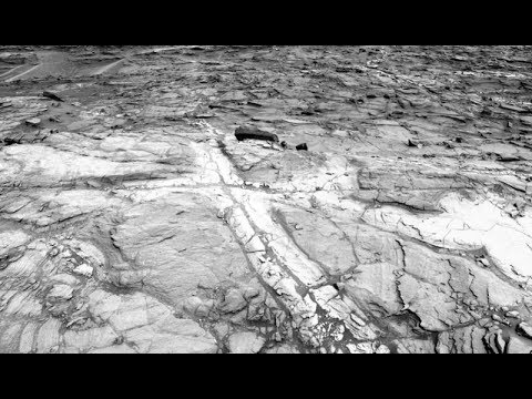 Planet Mars: Curiosity Rover Finds It's Crater Was Habitable for 700 Million Years