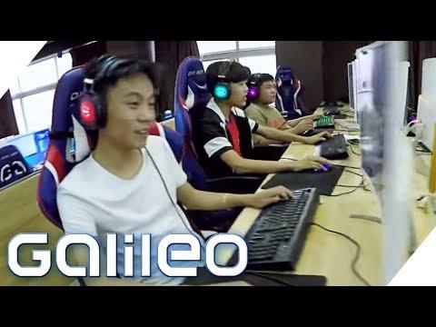 Die Zocker-Universität: Wie Schüler in China den Beruf des Gamers lernen | Galileo | ProSieben