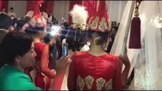 Дорого и богато — как прошел кыз узатуу невесты Нурлана Насипа