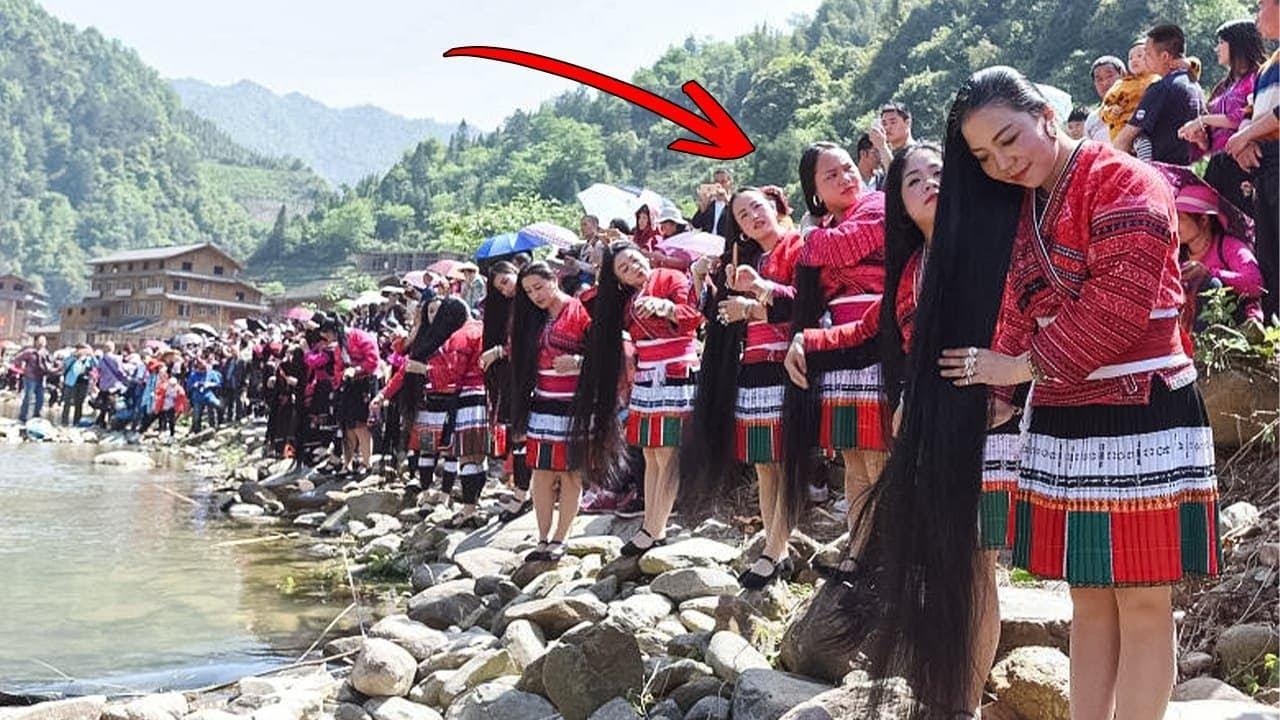 Женщины в Этой Деревне Стригут Волосы Только Один Раз в Жизни