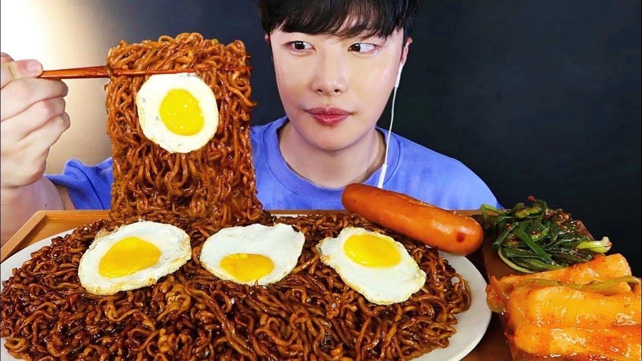 SUB)첨먹어보는 짜파게티에 파김치 먹방! 킬바사소세지랑 열무김치까지 Jjajangmyeon & Kimchi MUKBANG | EATING SHOW | モッパン | 리얼사운드