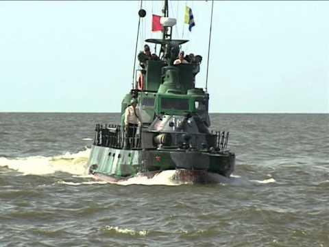 Центр-2015: учение с боевой стрельбой артиллерийской катеров Каспийской флотилии