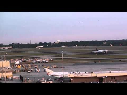 Hartsfield-Jackson Atlanta International Airport Time Lapse - Delta Air Lines