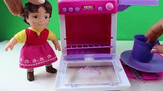 Heidi Yemek Yapıyor Clara Ve Heidi Yeni Oyuncak Bulaşık Makinası Açıyor Heidi izle