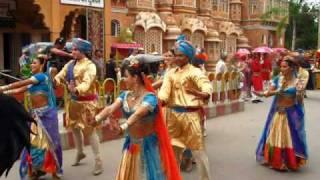 "Bastidores Corpo de Baile ""Caminho das Índias"" no Cortejo de Casamento de Camila e Ravi"