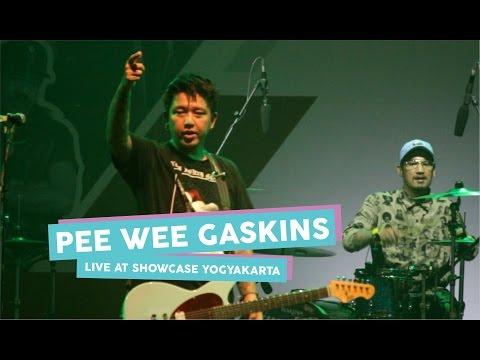[HD] Pee Wee Gaskins - Aku Bukan Musuhmu (Live at SHOWCASE Yogyakarta, April 2017)