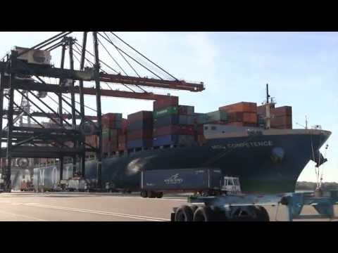 Biggest ship to call on JAXPORT arrives at TraPac Jacksonville