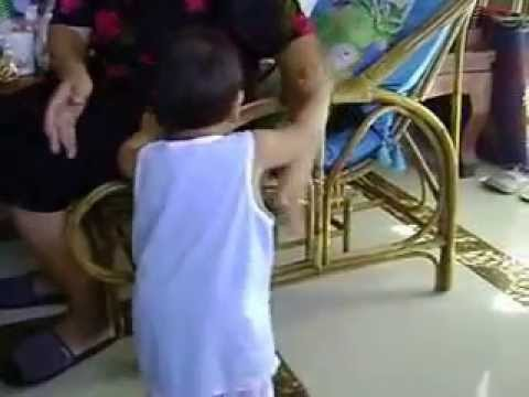 พัฒนาการเด็กอายุ 11เดือน 12 วัน - YouTube