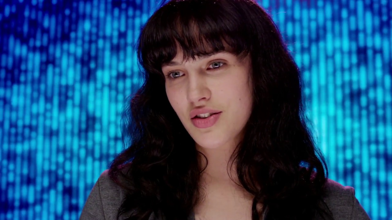 Jessica Brown Findlay \'Abi\' Singing \'Anyone\' in Black Mirror ...