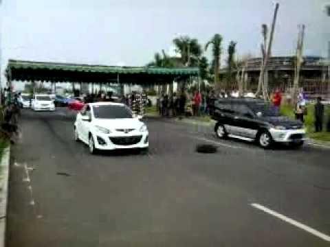 Mazda 2 VS Taruna Turbo