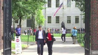Poll: US split on college admissions fairness