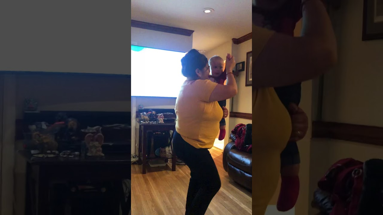 My mom and my daughter dancing 💃 ️ - YouTube