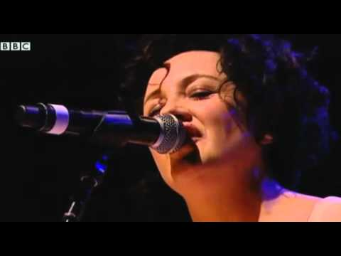 Lorraine McIntosh - Freedom Come All Ye (live, Glasgow, 2010)