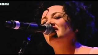 Lorraine McIntosh - Freedom Come All Ye (live, Glasgow, 2010)