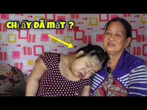 Tâm Sự Đẫm Nước Mắt Của Người Mẹ Già Nuôi 2 Đứa Con Khờ Khạo Sống Trong Nhà Hoang