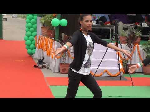 Suno Gaur Se Duniya Walo - Dance by Antara & Friends.