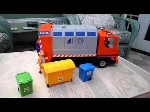 Review of the Playmobil Recycling Trash and Garbage Truck Toy