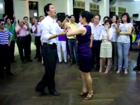 Bebop lop4_vũ sư Khac Tuan & cô Hồng Yến.mp4