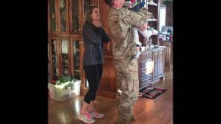Soldier surprises his family before Christmas!