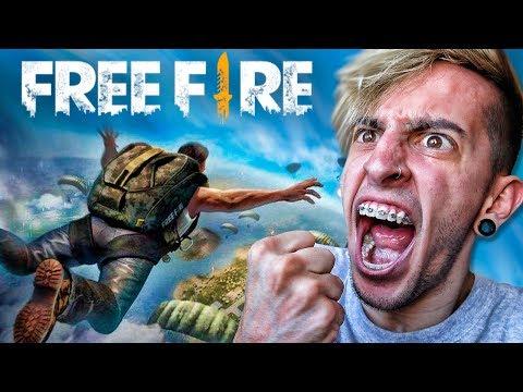 MI PRIMERA VEZ JUGANDO FREE FIRE !! - Robleis