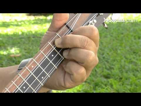 How to Play a G7 Chord | Ukulele Lessons - YouTube