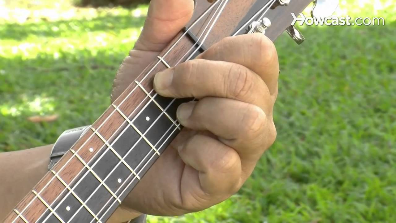 How to play a g7 chord ukulele lessons youtube how to play a g7 chord ukulele lessons hexwebz Images