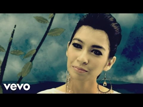 Misha Omar - Nafas Cahaya (Music Video)