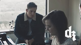 Смотреть клип Dermot Kennedy - Shelter