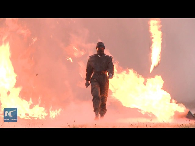 Walking through explosions! New Russian combat suit tested