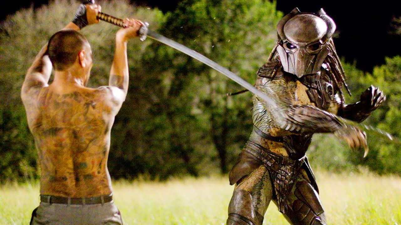 日本武士硬鋼鐵血戰士,武士刀不輸外星合金,竟然戦成平手?