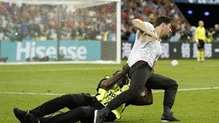 Rentrer sur le terrain en Final d'Euro 2016 Streaker on the field