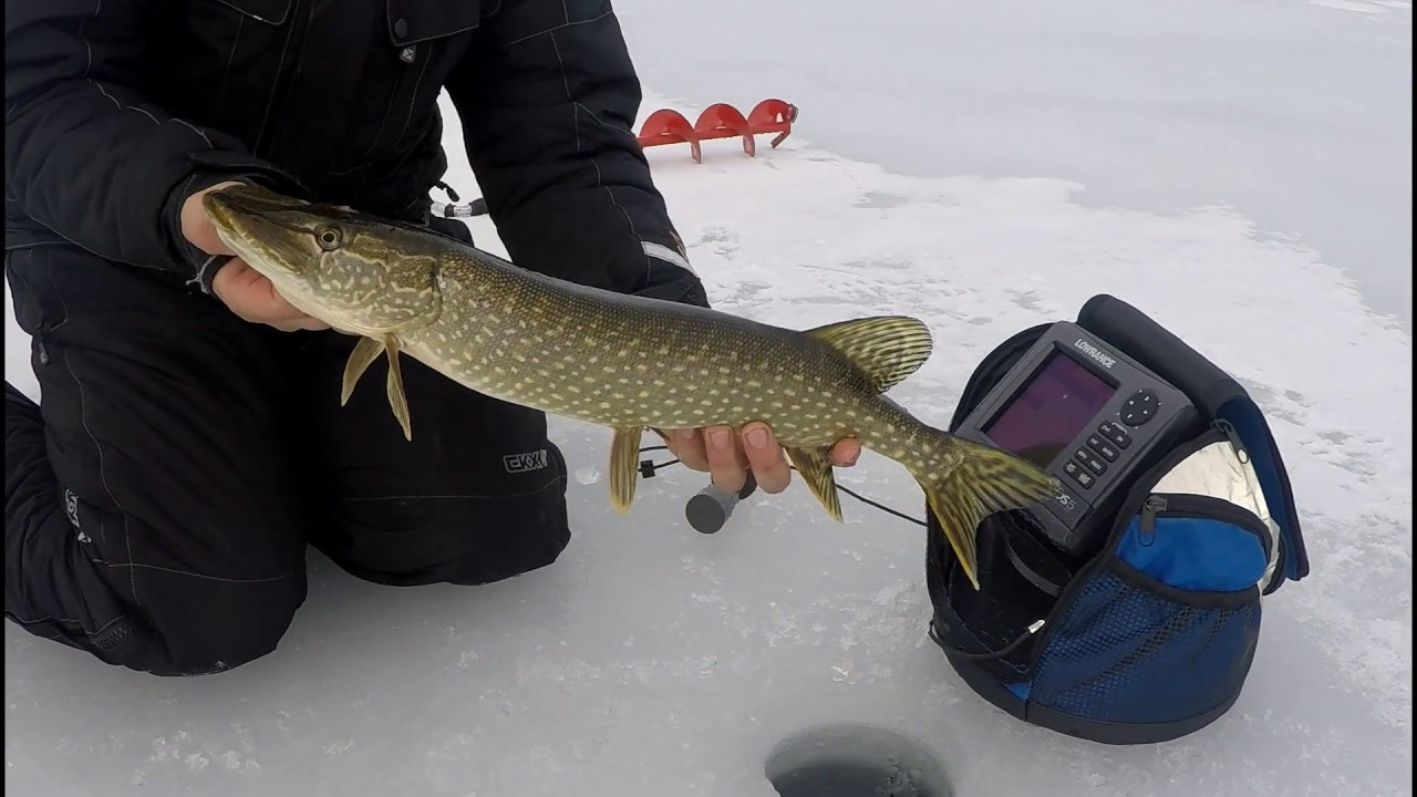 Ice fishing shallow pike shallow water electronics youtube for Ice fishing electronics