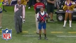 Vikings Ball Boy Makes One-Handed Snag Look Easy | Giants vs. Vikings | NFL