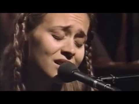 Fiona Apple -  Never is a Promise (Live)