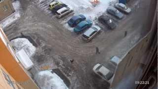 Метеорит в Челябинске (съемка камеры наблюдения)(15.02.2012 9:20 Пролет объекта: 0:29 Ударная волна: 1:24 Время прохождения ударной волны: 2мин.15сек., 2013-02-15T04:47:36.000Z)