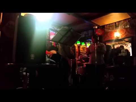 The Swingin' Door, a pub in San Mateo